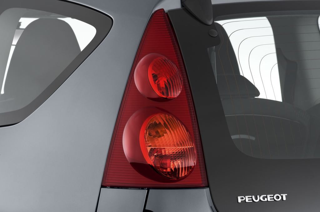 Peugeot 107 Filou Kleinwagen (2005 - 2014) 3 Türen Rücklicht