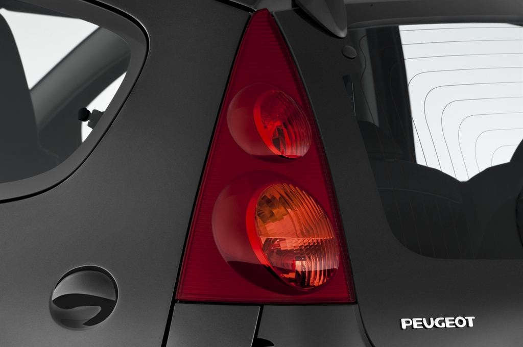 Peugeot 107 Filou Kleinwagen (2005 - 2014) 5 Türen Rücklicht