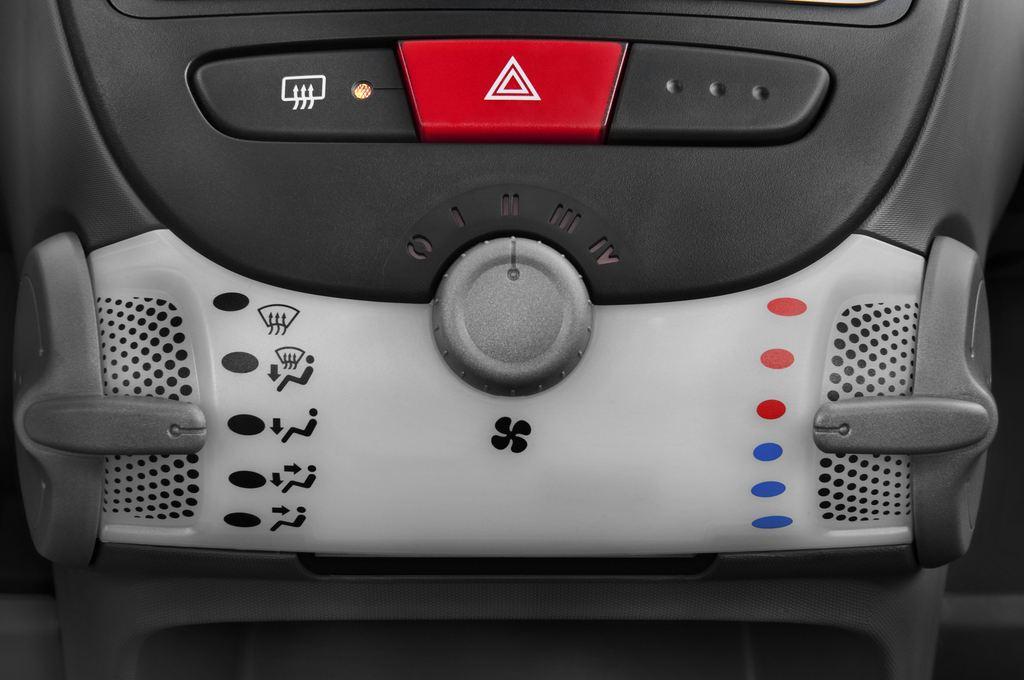 Peugeot 107 Filou Kleinwagen (2005 - 2014) 5 Türen Temperatur und Klimaanlage