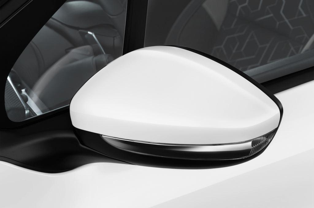 Peugeot 2008 Active SUV (2013 - heute) 5 Türen Außenspiegel