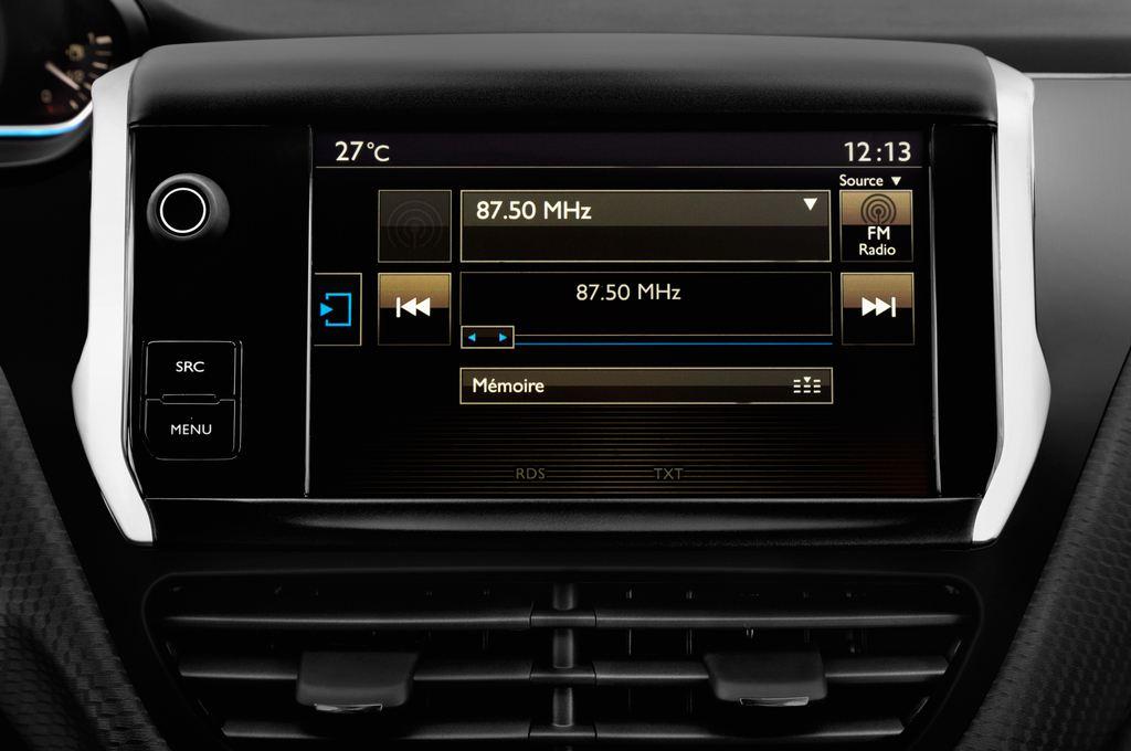 Peugeot 2008 Allure SUV (2013 - heute) 5 Türen Radio und Infotainmentsystem