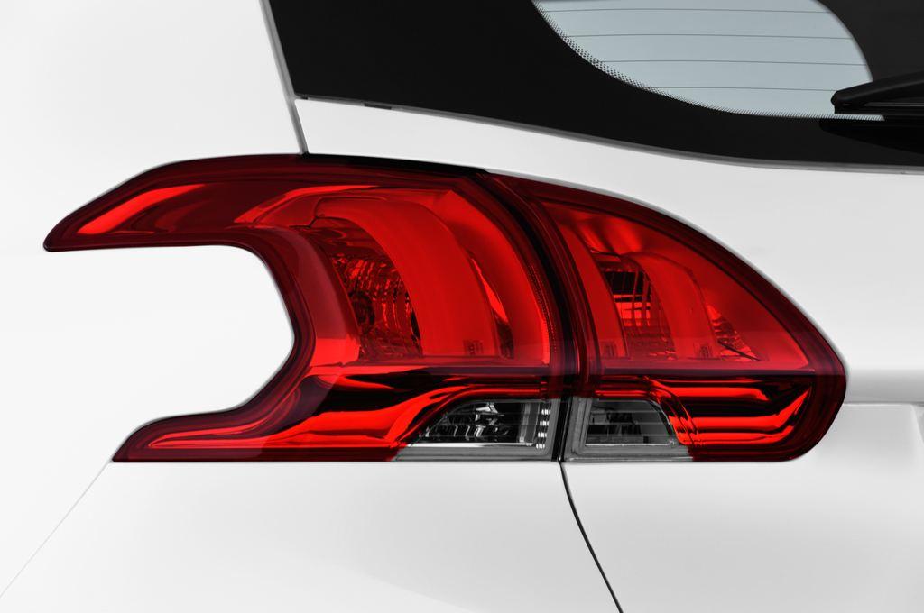 Peugeot 2008 Active SUV (2013 - heute) 5 Türen Rücklicht