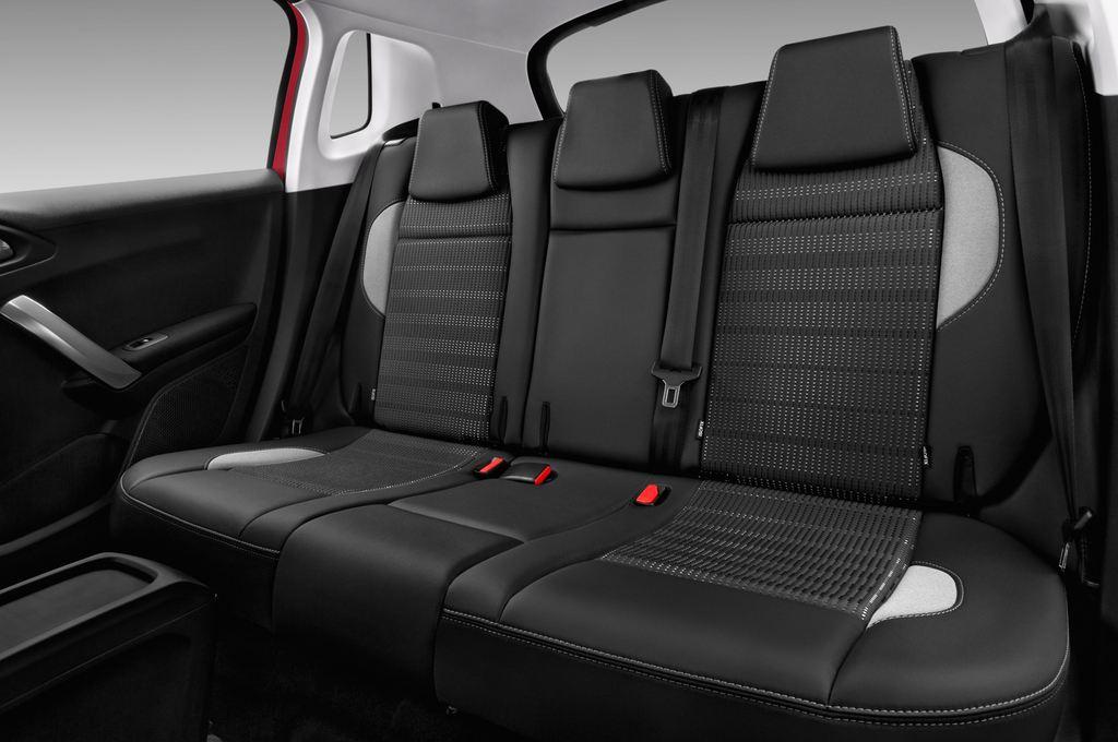 Peugeot 2008 Allure SUV (2013 - heute) 5 Türen Rücksitze