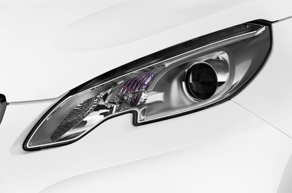 Peugeot 2008 Active SUV (2013 - heute) 5 Türen Scheinwerfer