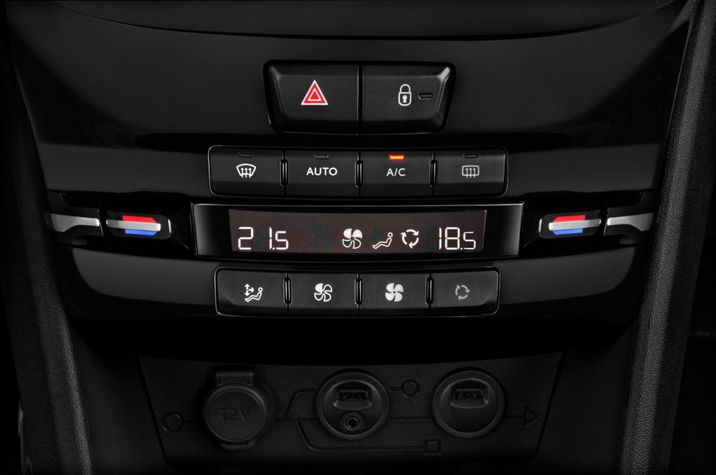 Peugeot 2008 Active SUV (2013 - heute) 5 Türen Temperatur und Klimaanlage