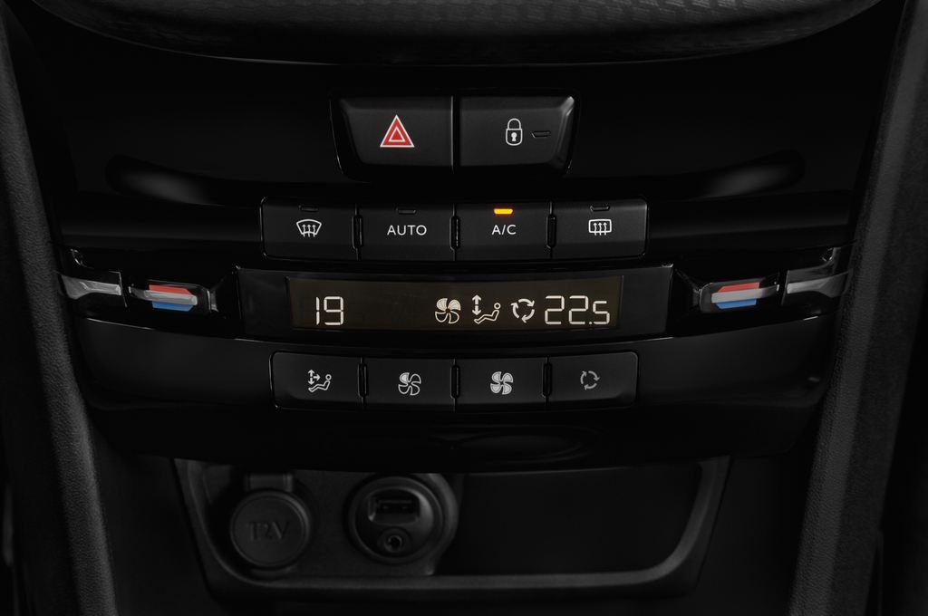 Peugeot 2008 Allure SUV (2013 - heute) 5 Türen Temperatur und Klimaanlage