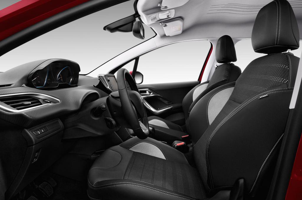 Peugeot 2008 Allure SUV (2013 - heute) 5 Türen Vordersitze