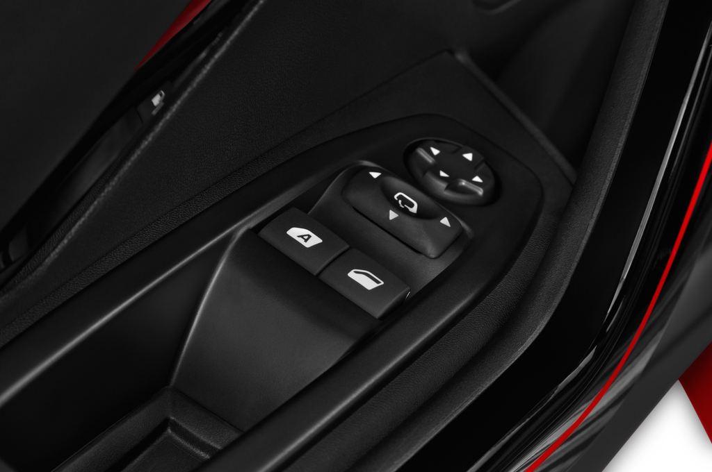 Peugeot 208 GTI Kleinwagen (2012 - heute) 3 Türen Bedienungselemente Tür