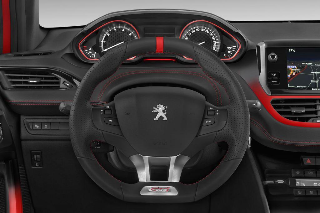 Peugeot 208 GTI Kleinwagen (2012 - heute) 3 Türen Lenkrad