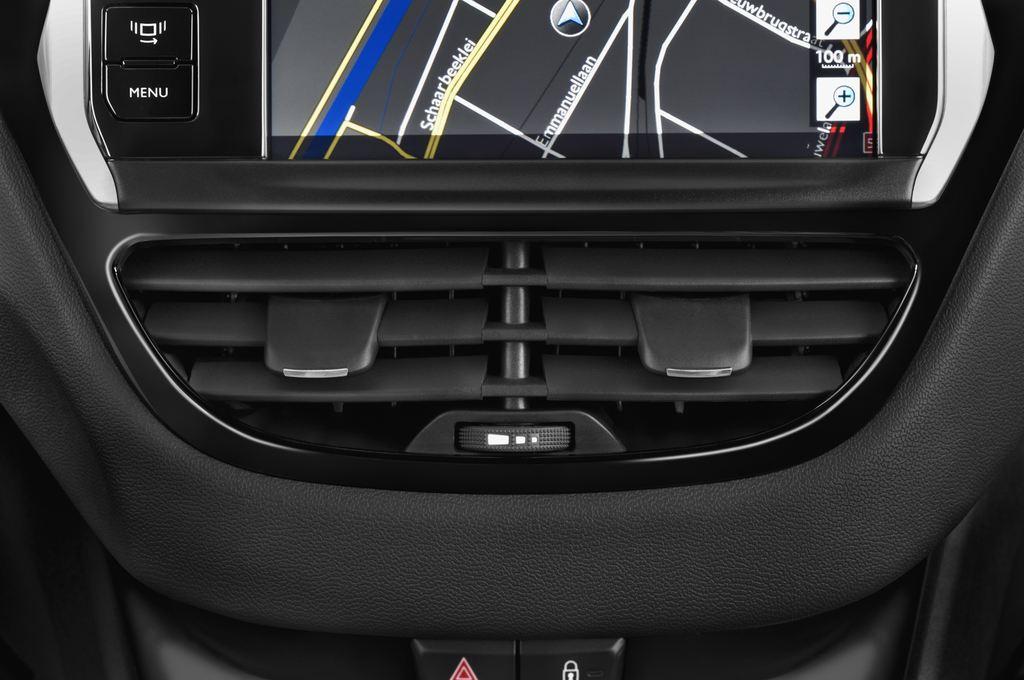 Peugeot 208 Allure Kleinwagen (2012 - heute) 3 Türen Lüftung