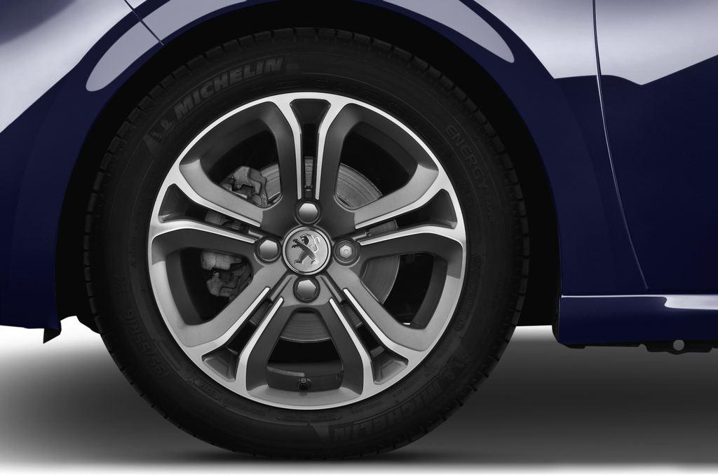 Peugeot 208 Allure Kleinwagen (2012 - heute) 3 Türen Reifen und Felge