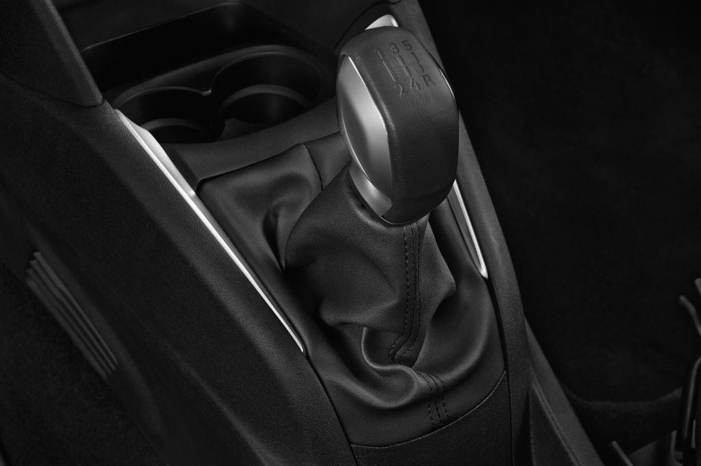 Peugeot 208 Allure Kleinwagen (2012 - heute) 3 Türen Schalthebel
