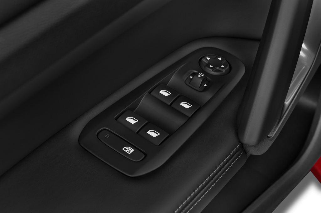 Peugeot 308 Allure Kombi (2014 - heute) 5 Türen Bedienungselemente Tür