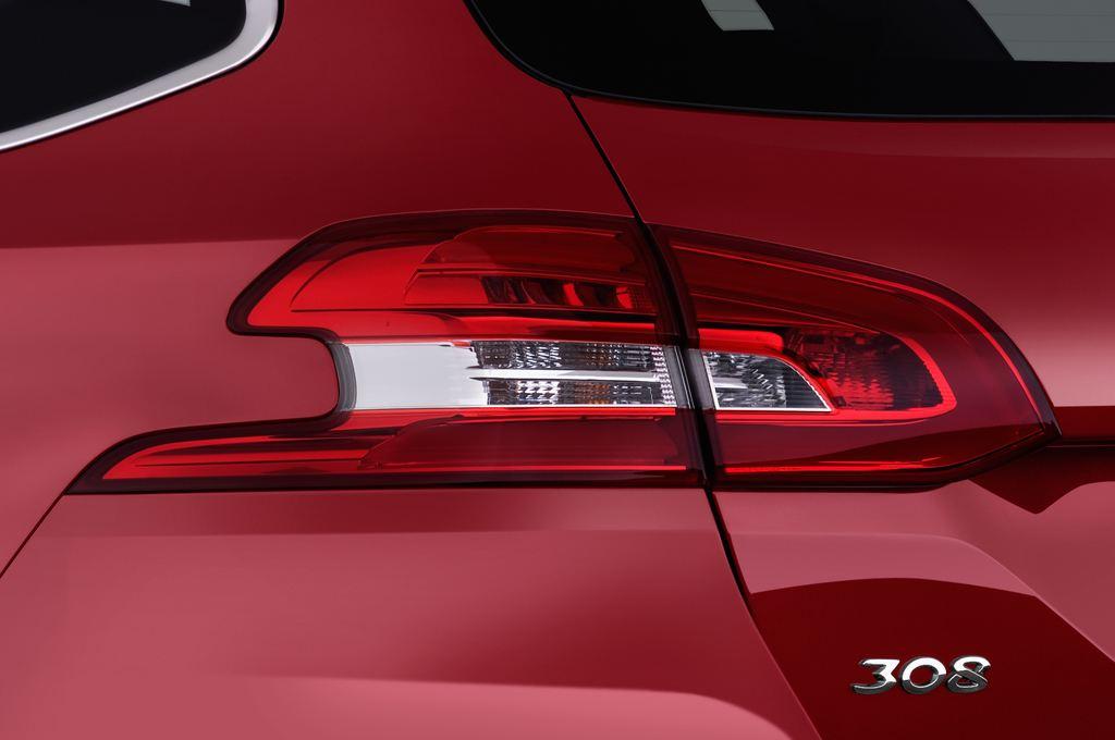 Peugeot 308 Allure Kombi (2014 - heute) 5 Türen Rücklicht