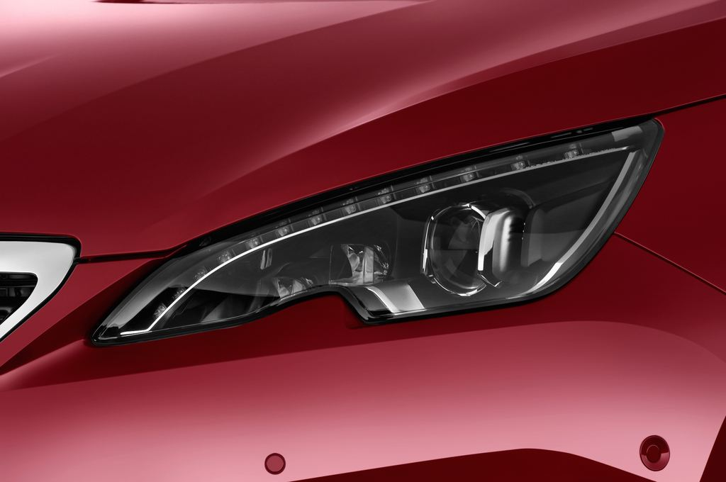 Peugeot 308 Allure Kombi (2014 - heute) 5 Türen Scheinwerfer