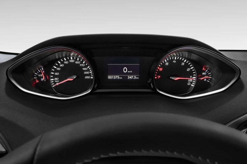 Peugeot 308 Allure Kombi (2014 - heute) 5 Türen Tacho und Fahrerinstrumente