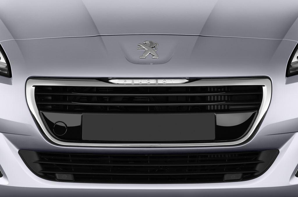 Peugeot 5008 Allure Van (2009 - 2017) 5 Türen Kühlergrill und Scheinwerfer