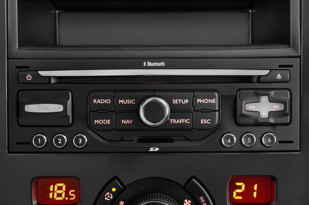 Peugeot 5008 Premium Van (2009 - 2017) 5 Türen Radio und Infotainmentsystem
