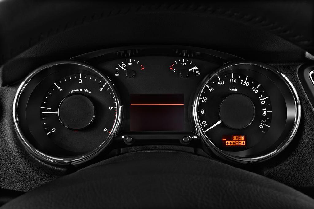 Peugeot 5008 Allure Van (2009 - 2017) 5 Türen Tacho und Fahrerinstrumente
