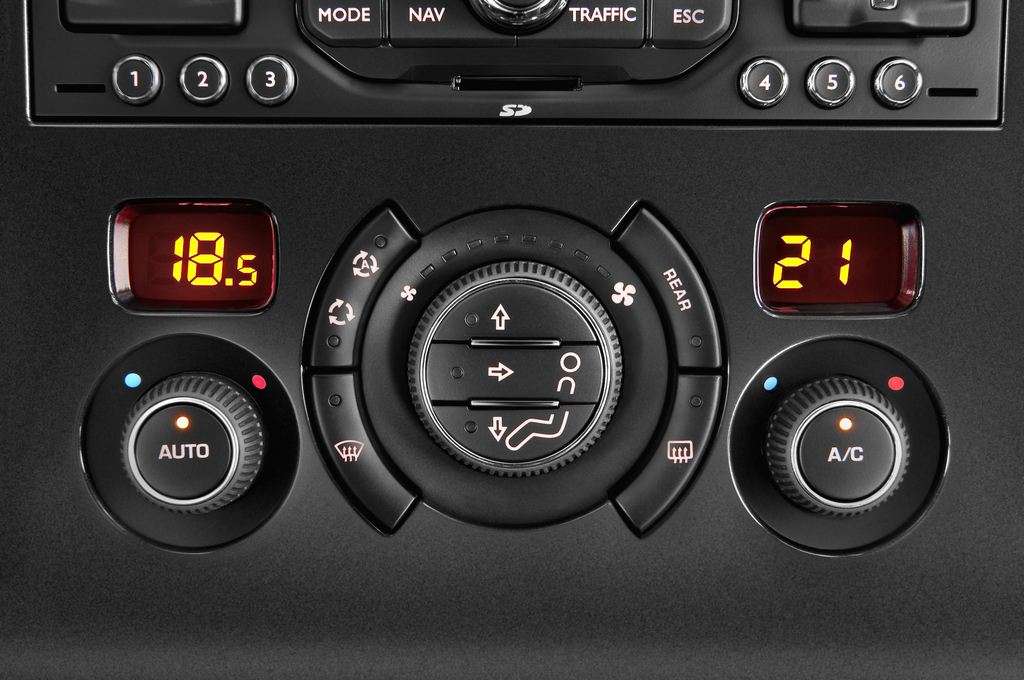 Peugeot 5008 Premium Van (2009 - 2017) 5 Türen Temperatur und Klimaanlage