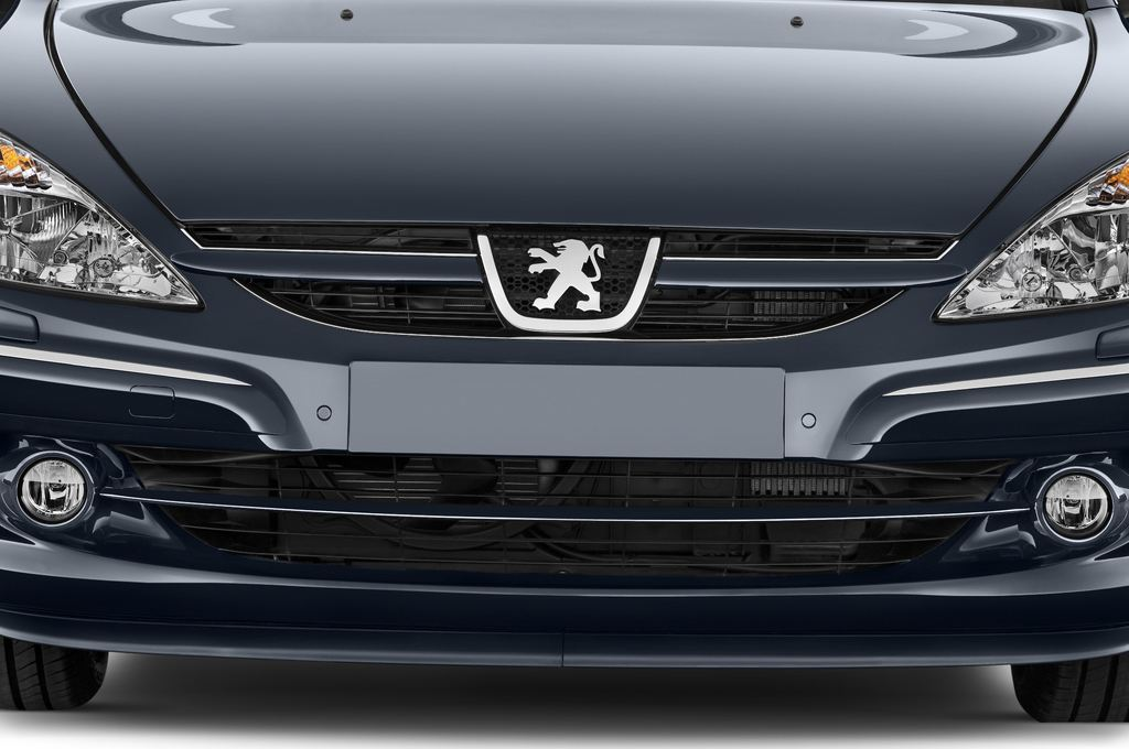 Peugeot 607 Platinum Limousine (2000 - 2010) 4 Türen Kühlergrill und Scheinwerfer