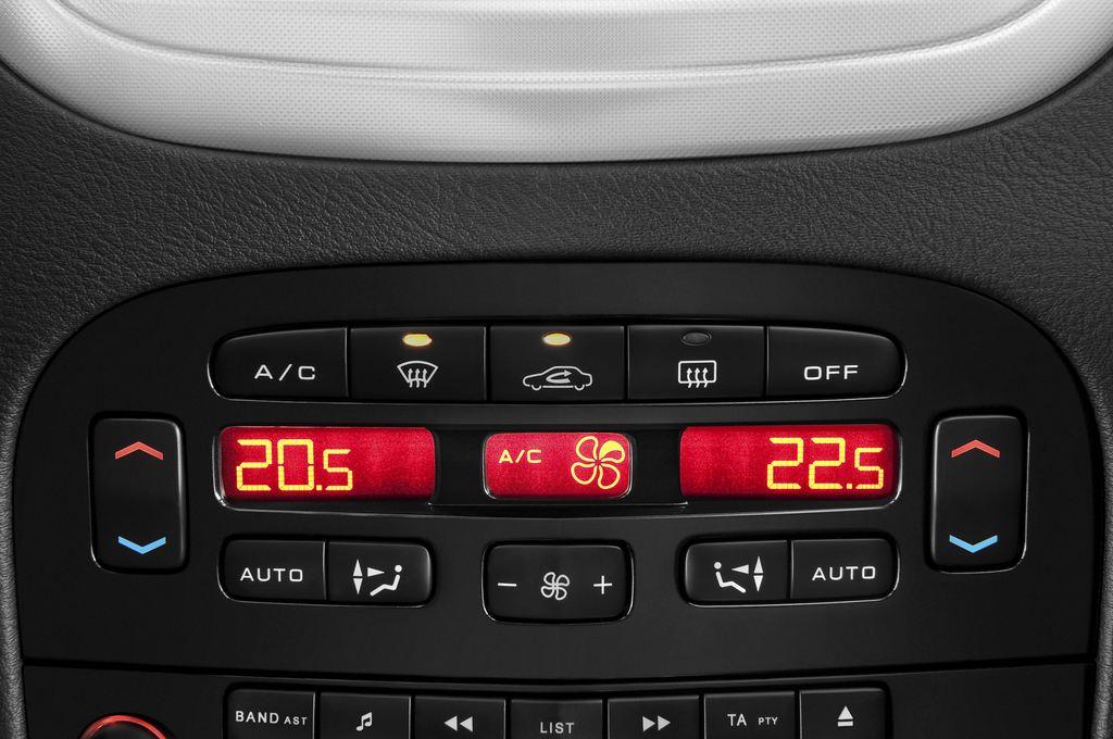 Peugeot 607 Platinum Limousine (2000 - 2010) 4 Türen Temperatur und Klimaanlage