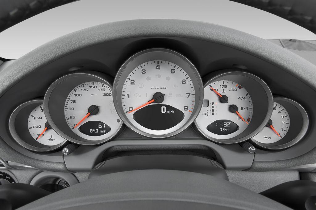 Porsche 911 Carrera S Cabrio (2004 - 2011) 2 Türen Tacho und Fahrerinstrumente