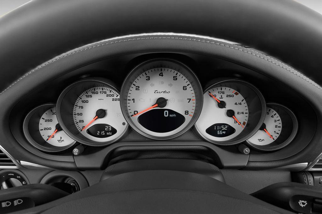 Porsche 911 Turbo Cabriolet Cabrio (2004 - 2011) 2 Türen Tacho und Fahrerinstrumente