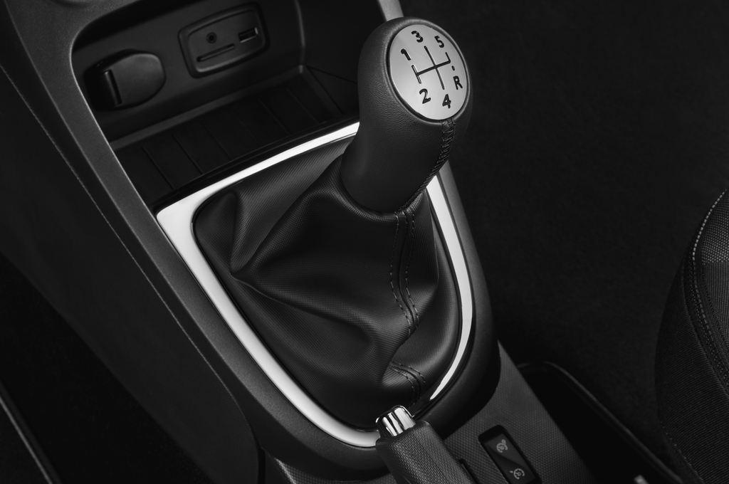Renault Captur Luxe SUV (2013 - heute) 5 Türen Schalthebel