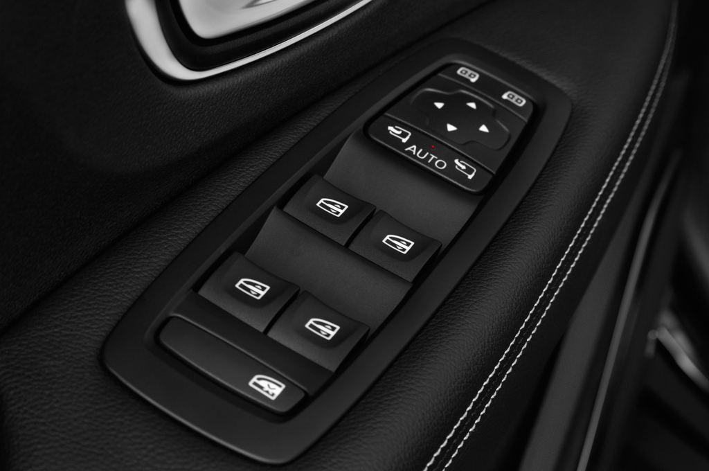 Renault Grand Scenic Bose Edition Van (2016 - heute) 5 Türen Bedienungselemente Tür