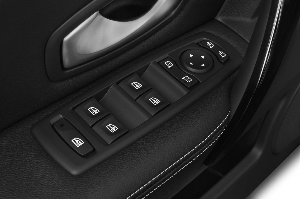 Renault Laguna Bose Edition Kombi (2007 - 2015) 5 Türen Bedienungselemente Tür