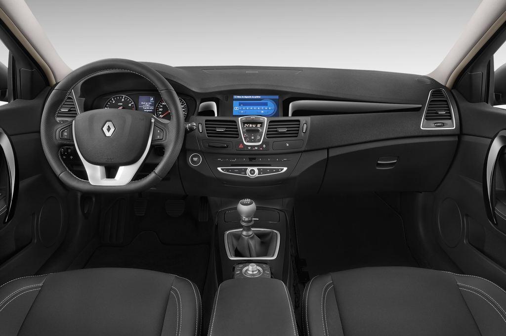 Renault Laguna Bose Edition Kombi (2007 - 2015) 5 Türen Cockpit und Innenraum