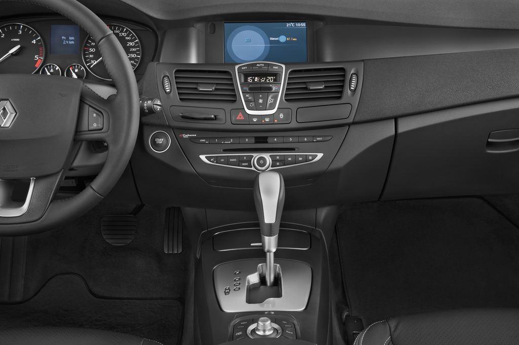 Renault Laguna Privil�ge Kombi (2007 - 2015) 5 Türen Mittelkonsole