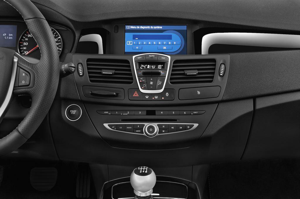 Renault Laguna Bose Edition Kombi (2007 - 2015) 5 Türen Mittelkonsole