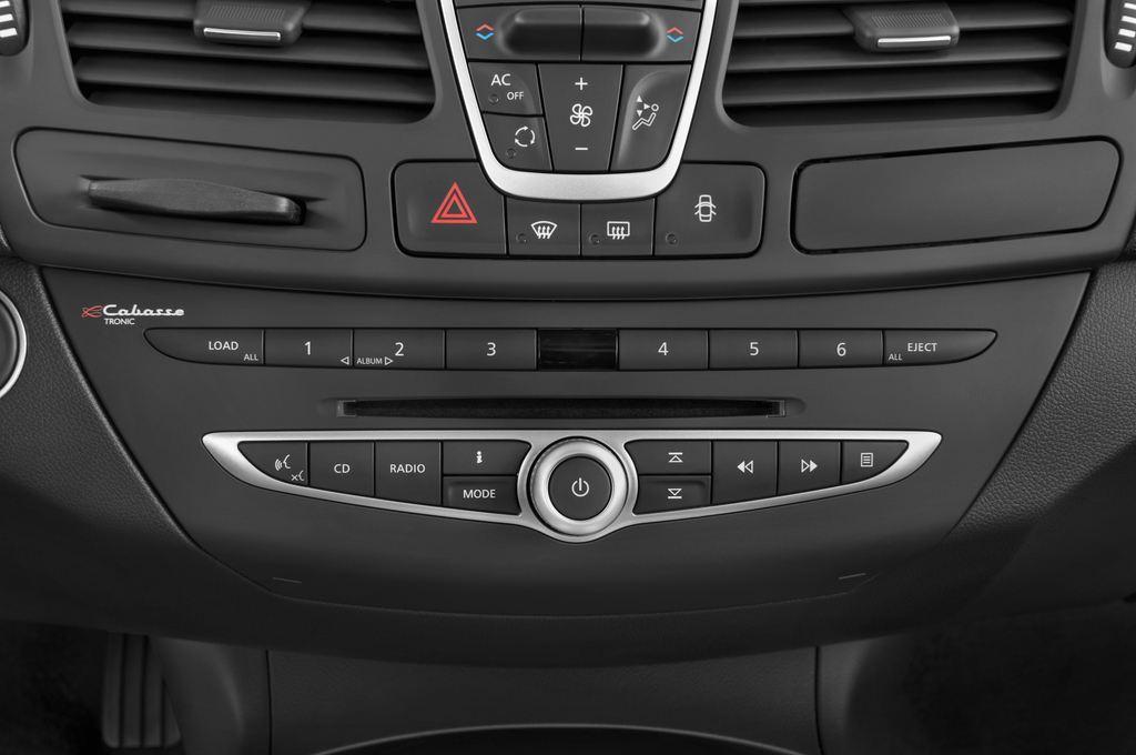 Renault Laguna Privil�ge Kombi (2007 - 2015) 5 Türen Radio und Infotainmentsystem