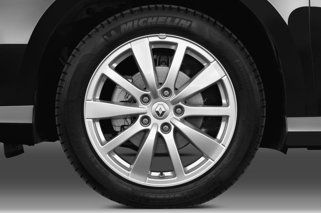 Renault Laguna Bose Edition Kombi (2007 - 2015) 5 Türen Reifen und Felge