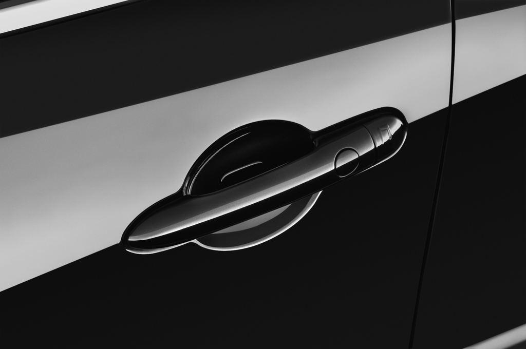 Renault Laguna Bose Edition Kombi (2007 - 2015) 5 Türen Türgriff