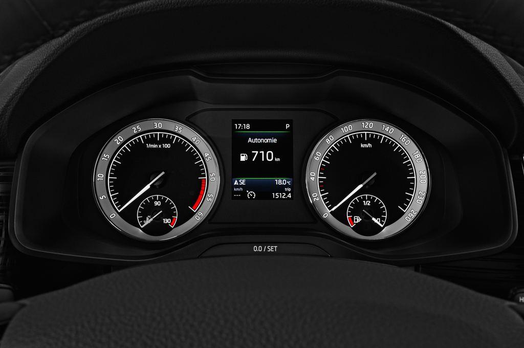 Skoda Kodiaq Style SUV (2016 - heute) 5 Türen Tacho und Fahrerinstrumente
