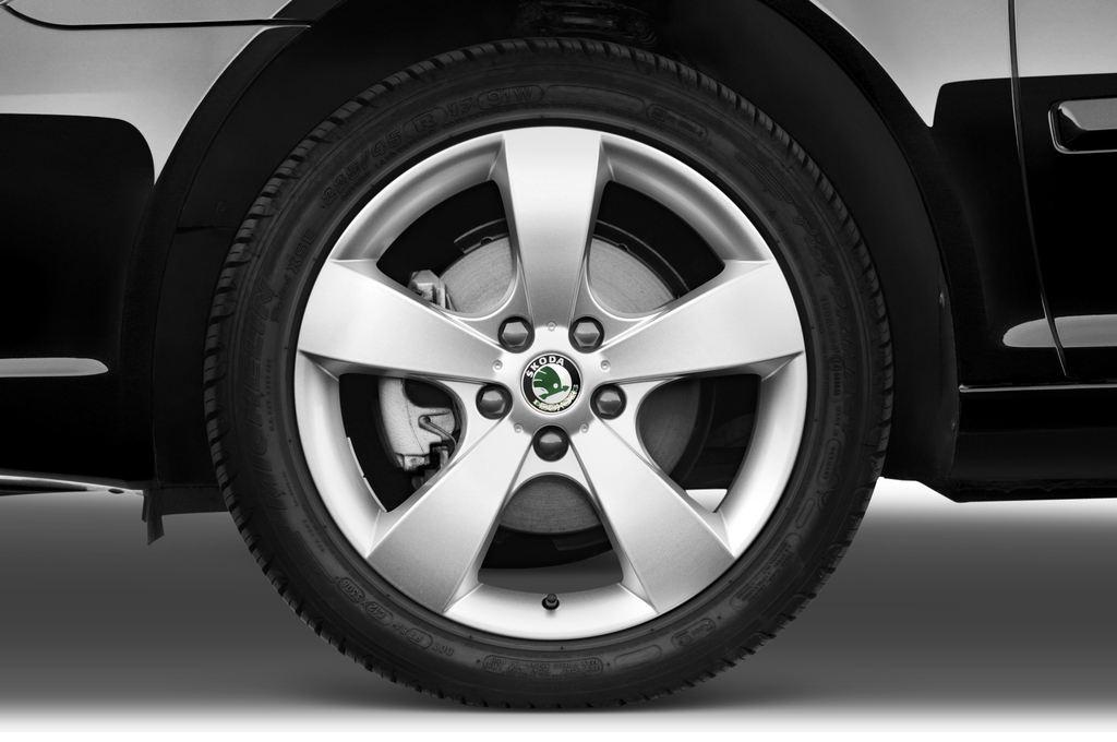 Skoda Octavia Elegance Kombi (2004 - 2013) 5 Türen Reifen und Felge