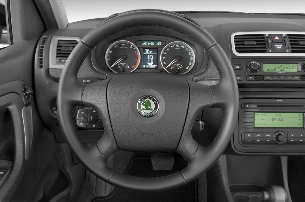 Skoda Roomster Comfort Transporter (2006 - 2015) 5 Türen Lenkrad