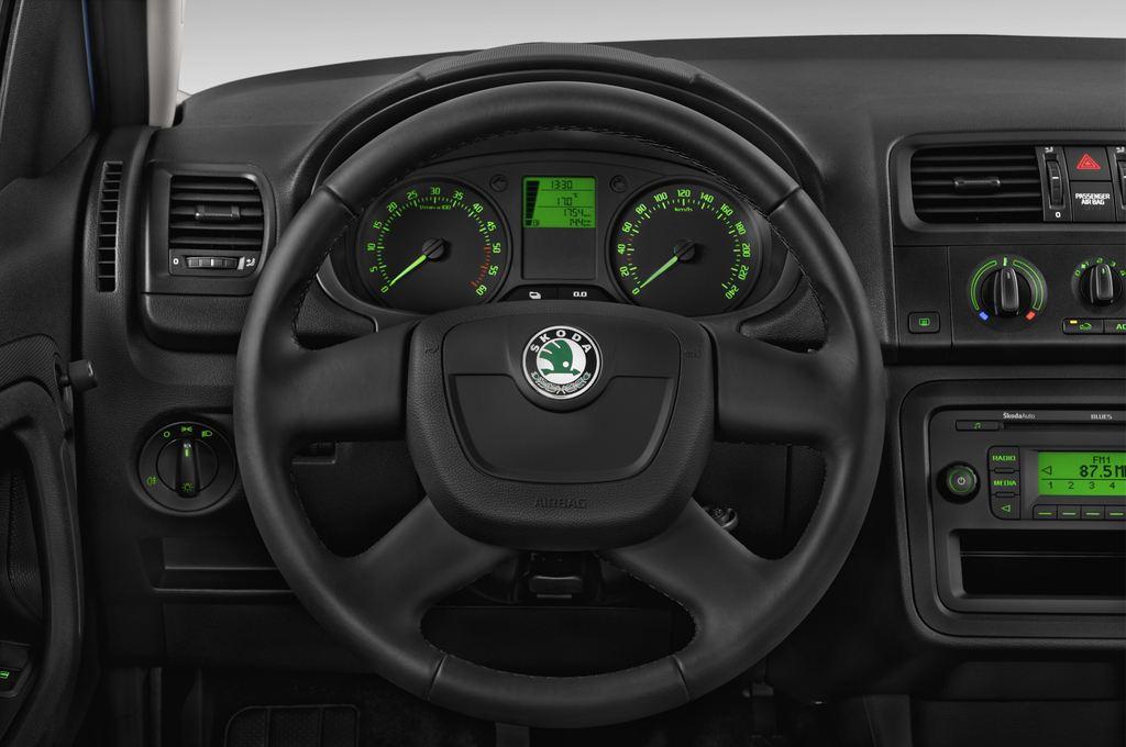 Skoda Roomster Active Transporter (2006 - 2015) 5 Türen Lenkrad
