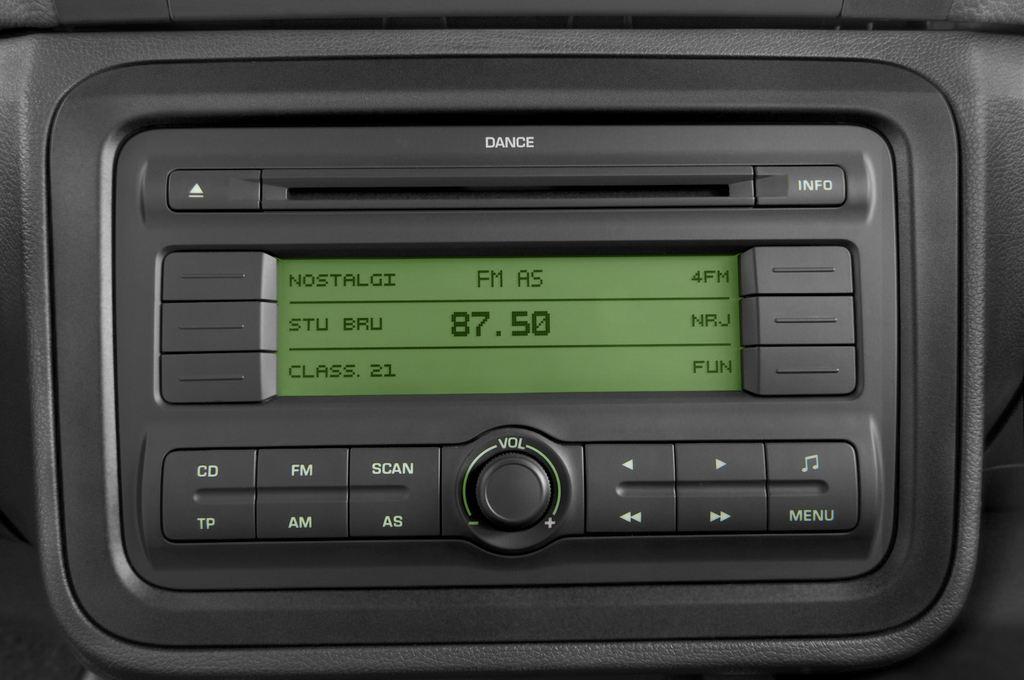 Skoda Roomster Comfort Transporter (2006 - 2015) 5 Türen Radio und Infotainmentsystem