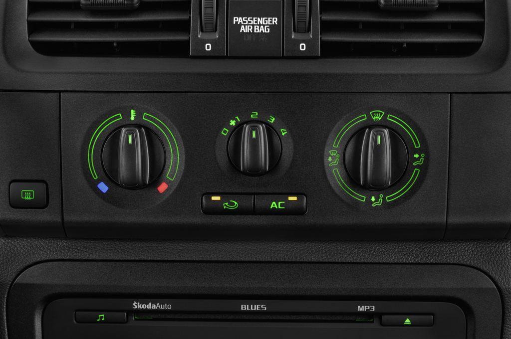 Skoda Roomster Active Transporter (2006 - 2015) 5 Türen Temperatur und Klimaanlage