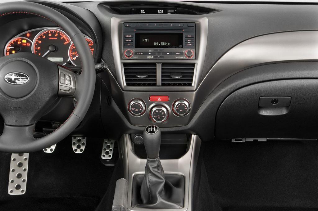 Subaru Impreza WRX STI Kombi (2000 - 2007) 5 Türen Mittelkonsole