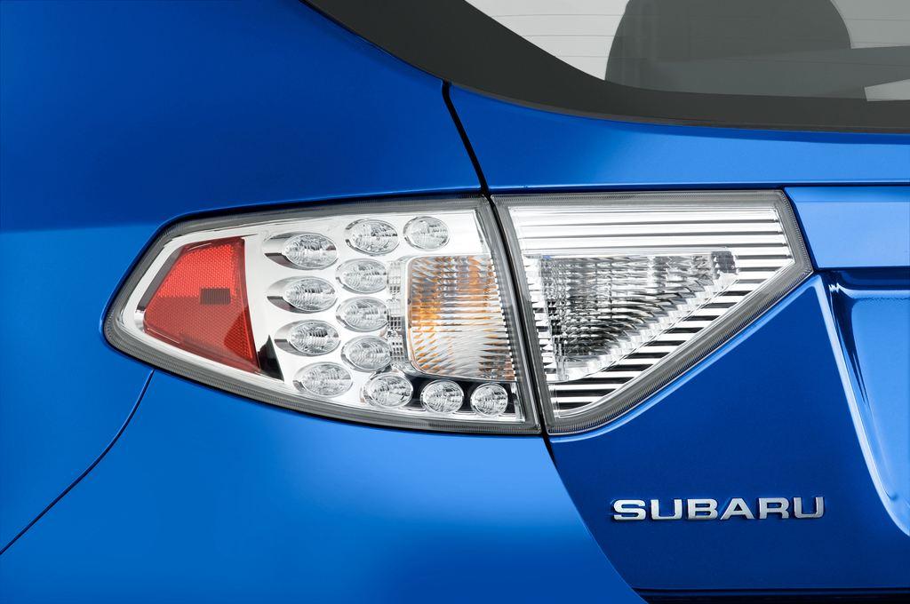 Subaru Impreza WRX STI Kombi (2000 - 2007) 5 Türen Rücklicht