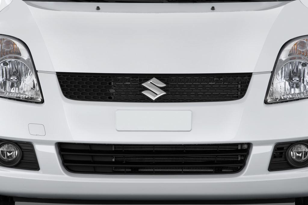 Suzuki Swift Comfort Kleinwagen (2005 - 2011) 5 Türen Kühlergrill und Scheinwerfer