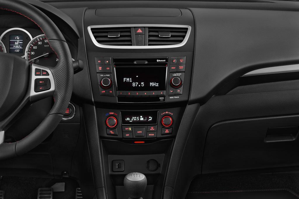Suzuki Swift Sport Kleinwagen (2005 - 2011) 3 Türen Mittelkonsole