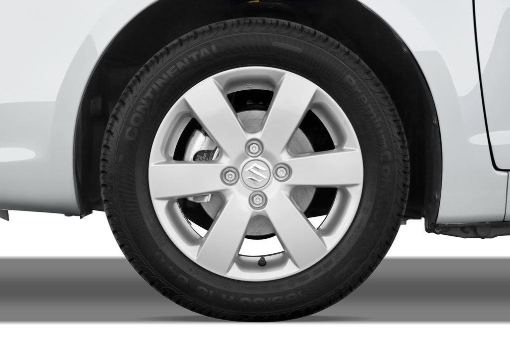 Suzuki Swift Comfort Kleinwagen (2005 - 2011) 5 Türen Reifen und Felge