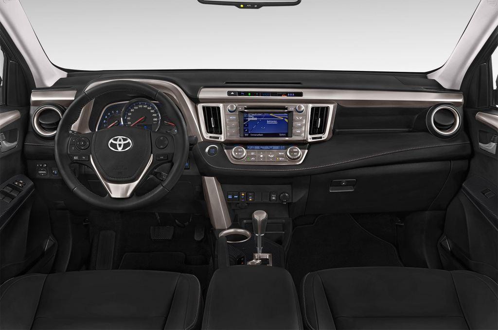Toyota RAV 4 Comfort SUV (2013 - heute) 5 Türen Cockpit und Innenraum