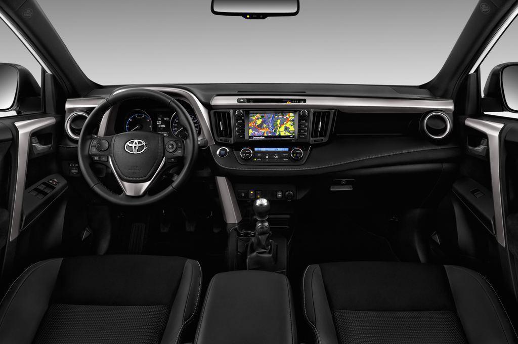 Toyota RAV 4 Edition SUV (2013 - heute) 5 Türen Cockpit und Innenraum